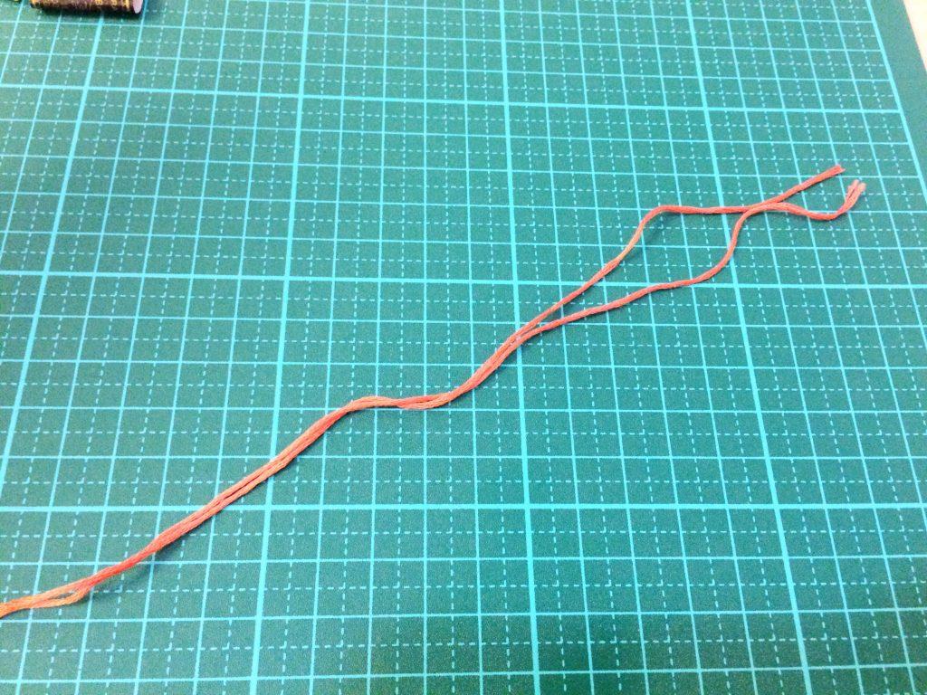 刺繍糸の抜き方2等分