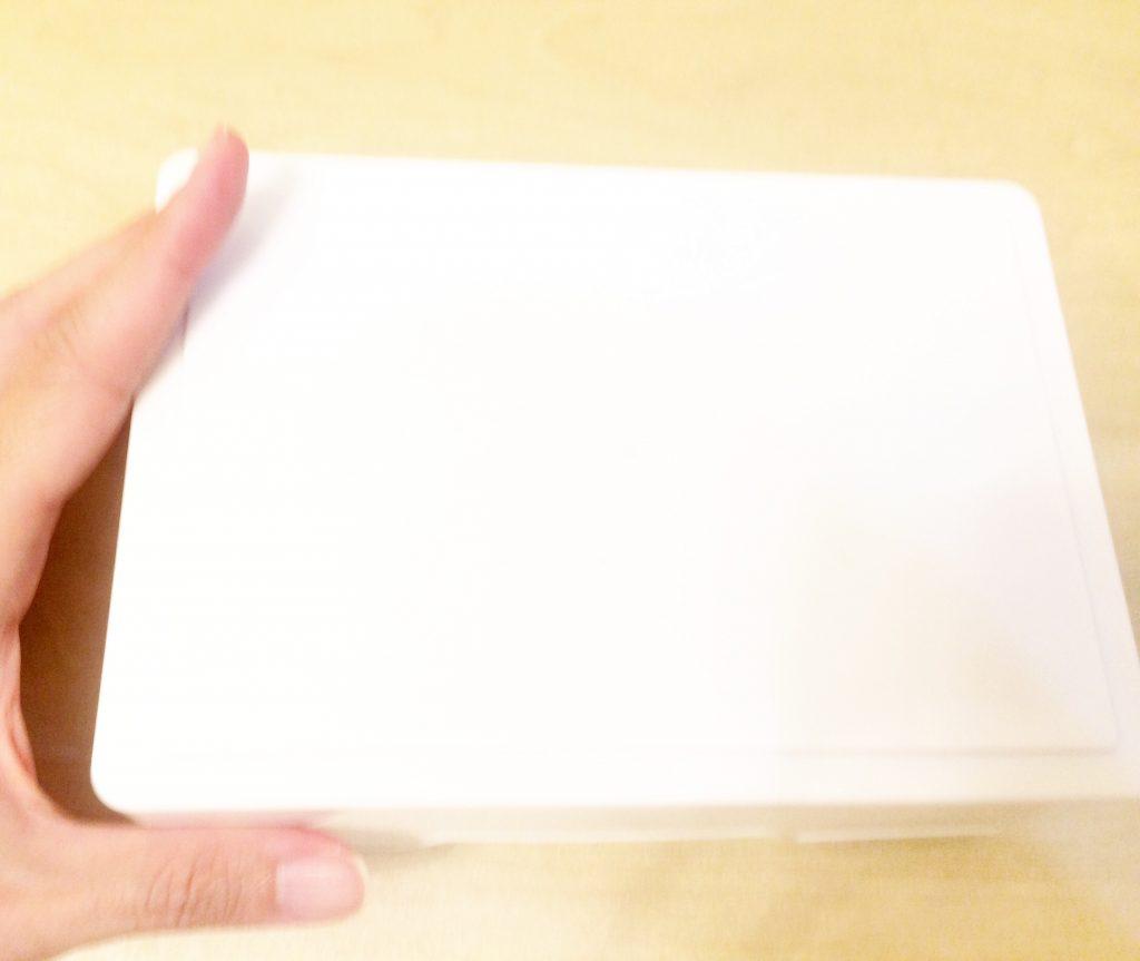 セリアの白い箱